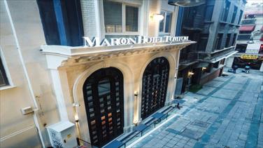 Maroon Tomtom Hotel