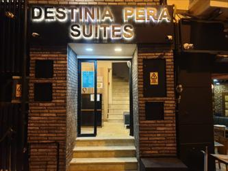 Destinia Pera Suites